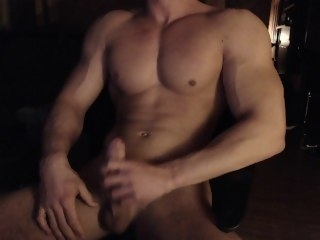 Hungarian muscle boy cums again solo male muscle