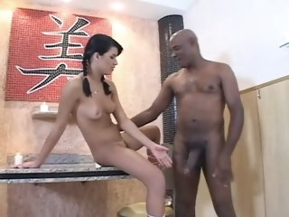 Pretty brazilian benefactress receives sexually excited thither BBC straight interracial