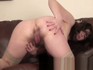 First time milf makes her muted snatch choosing hairy straight