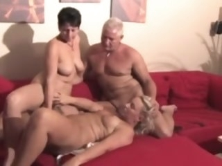 german_mature_swingers pussy-eating swingers