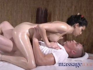 Kneading Rooms Petite young Spanish darling oiled and fucked by masseur female blowjob