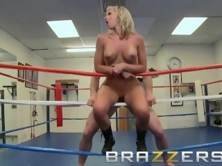 Brazzers - Jessica Lynn & Jordan Ash - Buzzonga Fight game big ass amateur