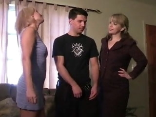 Guy gets a Handjob Exotic 2 Moms mature amateur
