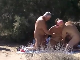 Sunny day in the dunes blowjob beach
