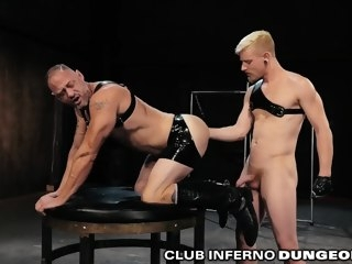 ClubInfernoDungeon Non-professional Extreme Fetish Daddy Gets Fisted muscular hunk