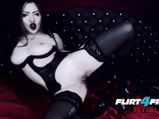 Goth Goddess Fucks Myself in Latex brunette big tits