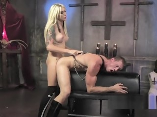 Blonde crystal set yawning chasm throats big dick shemale fucks guy shemale
