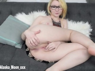 Hippie Doll Pinpointing Herself And Cumming big ass amateur