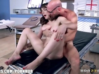 Dirty doctor fucks Cytherea - Brazzers brunette big tits