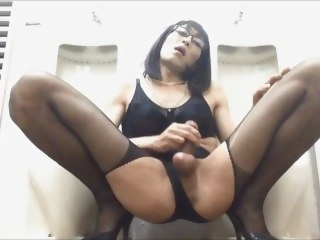 SLUTTY CD MARIKO JERK OFF. mature masturbation