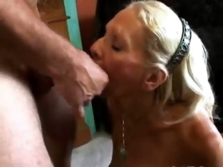 Wrinky and Hairy Granny suck and fucks old & hairy