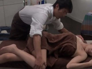 Japanese Oil Massage Causeuse pornstar japanese