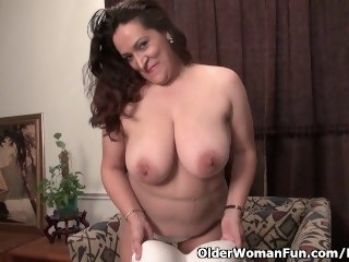 BBW milf Nicolette Parsons gets naughty less nylon big tits bbw
