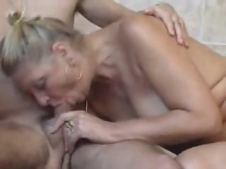 Mom and Son's friend (german) cumshot blowjob