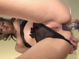 Dildoing her sexy ass on the mirror toys masturbation